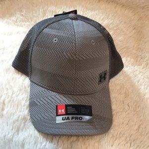 Men's Underarmour Pro fit hat